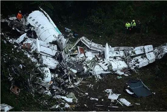又是空难!哥伦比亚飞机失事71人遇难。有无保险赔付差距近1000万