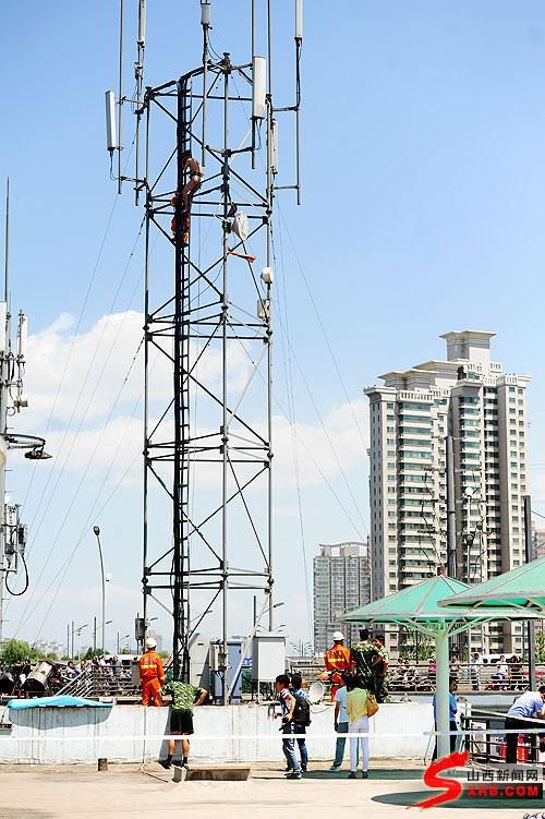 河景区内20多米高的信号塔