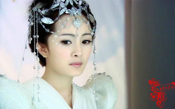 手绘古装花钿新娘