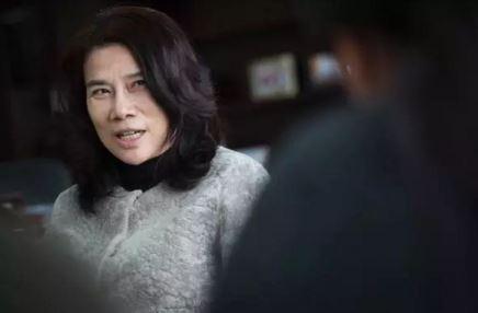 """中国最知名两位女性""""职业经理人"""":董姐与凤姐有多像_图1-1"""