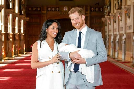 """哈里、梅根首次携子亮相!宝宝的名字果然很有""""贵族范""""_图1-1"""