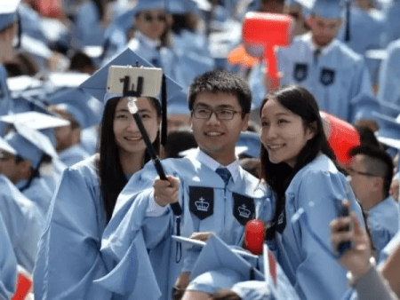中国留学生入学率下跌 美国大学急寻对策_图1-1