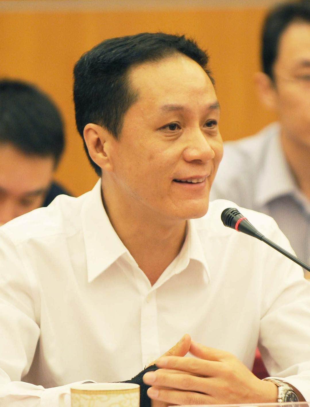 演员冯远征拟任北京人艺副院长 试用期一年_图1-1
