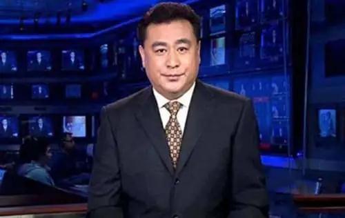 60岁央视主播张宏民独自吃雪糕照片刷屏 网友评论吵翻天_图1-15
