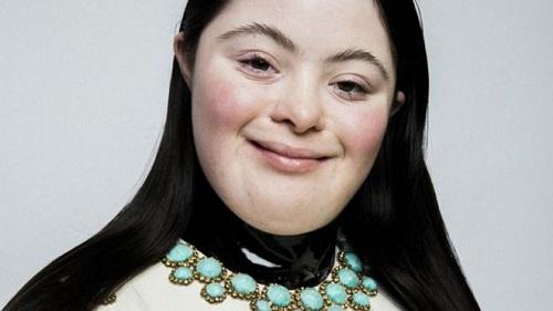 谷驰化妆品账户刊登的艾丽照片得到最多人点赞