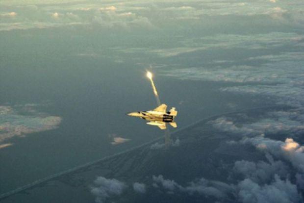 美国航天飞机30年历史瞬间