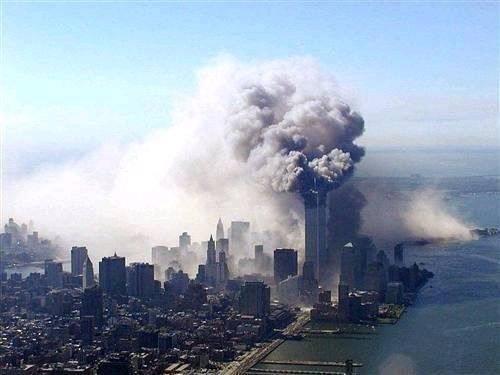 就是美国航空公司的飞机遭到了恐怖分子