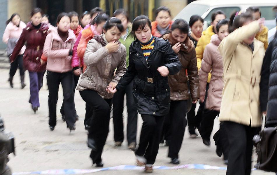 辽宁丹东朝鲜人自发组织吊唁金正日