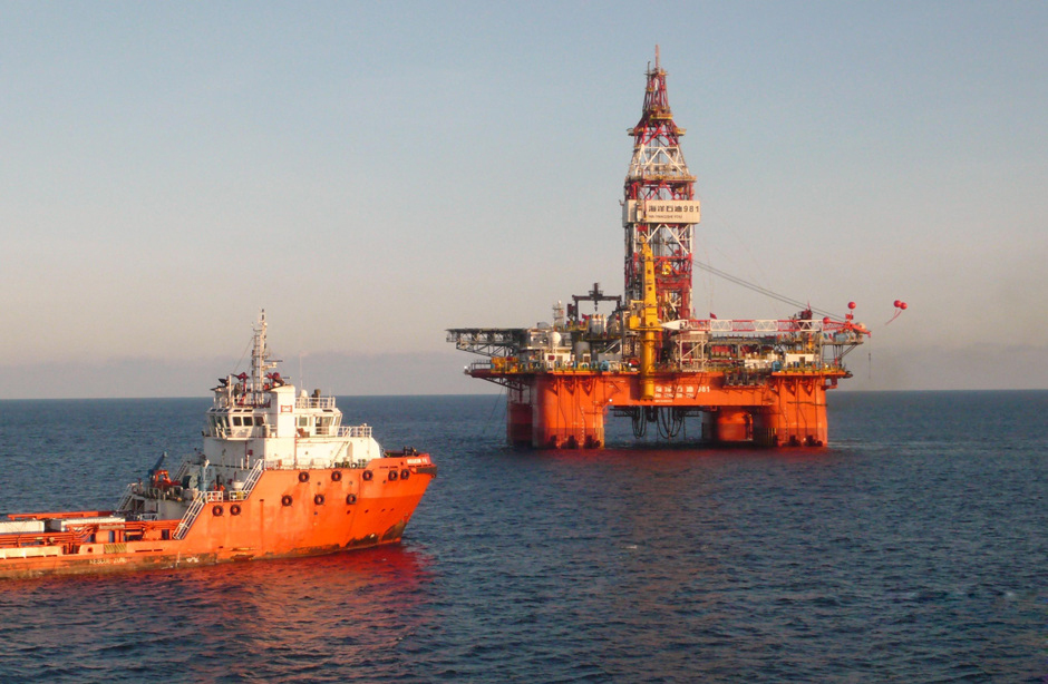 中国 海洋石油981 在南海首钻成功