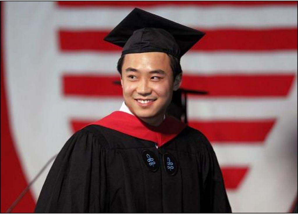 薄瓜瓜哈佛大学毕业留美继续学业