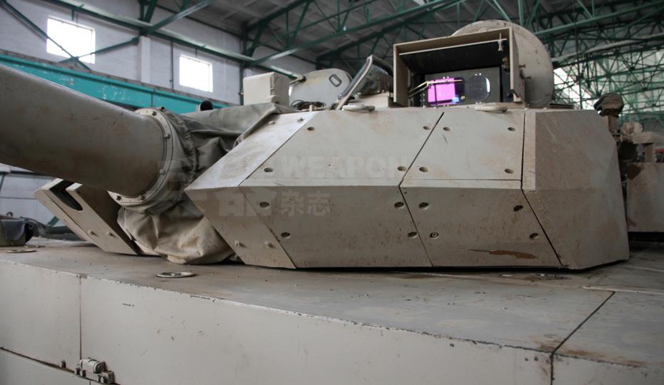 解放军某新型外贸坦克-中国新型主战坦克亮相欧洲