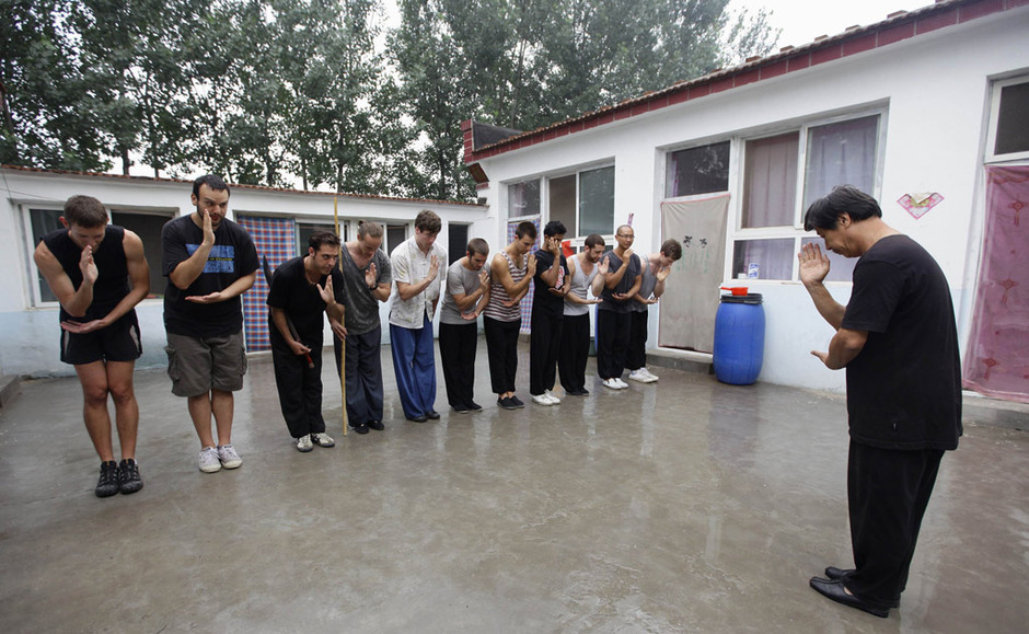 北京农民武师教出百余名洋弟子