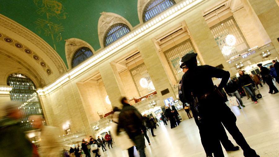 投票日来临 纽约警方加强安保(组图)_图1-1