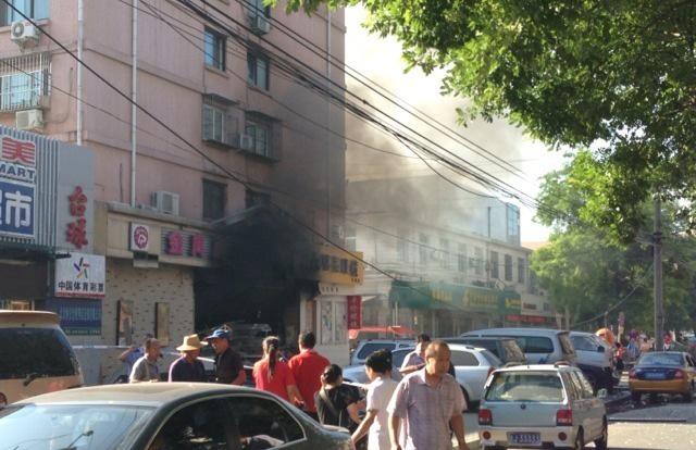 北京光明楼蛋糕店爆炸已致2人死 19人伤