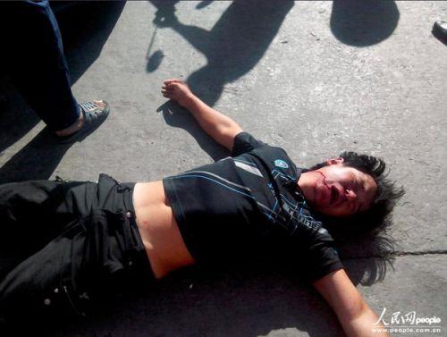 浙江十几名城管进店围殴店长 伤者正在医院抢救 图