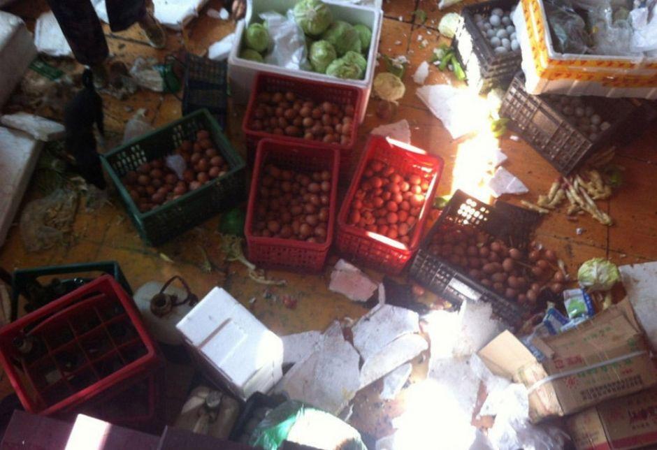 浙江十几城管进店围殴店长 ,物品全部被毁。