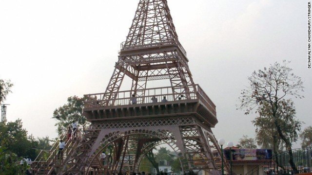 埃菲尔铁塔高30米
