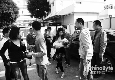 卖儿父母在交易现场被福州便衣警察控制