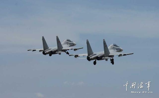 外国军机闯中国领空被驱离 日本迫降中国军机手段曝光