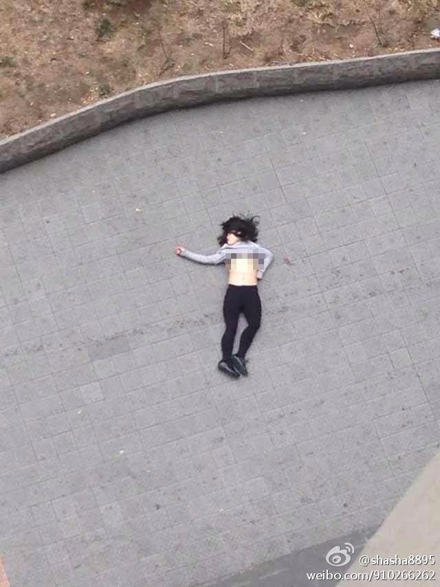 北京朝阳SOHO现代城一名年轻女子跳楼身亡