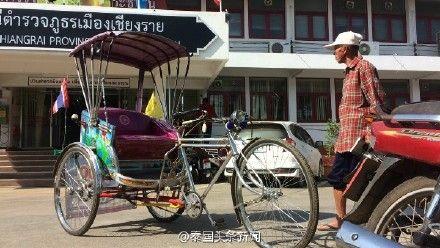 """""""又是中国游客!"""" 中国男子在泰国醉酒骑走车夫三轮车_图1-1"""