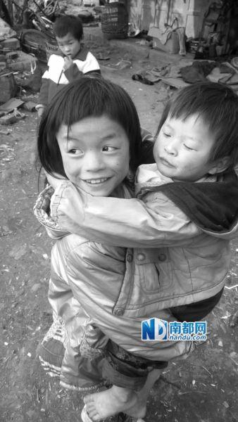 四川男子生11个孩子自认存钱不如存人 过年穷开心(图)_图1-1