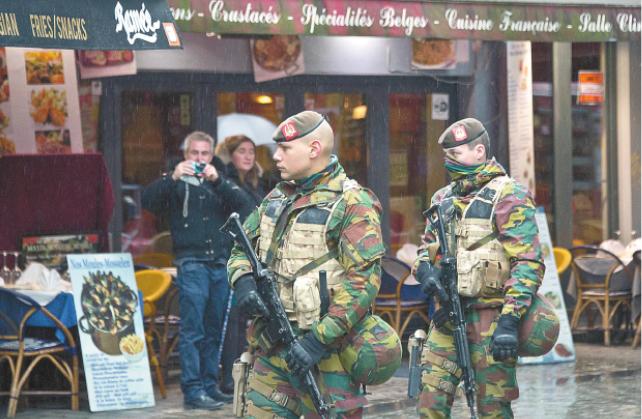 布鲁塞尔高度警戒突袭拘捕21人 巴黎恐袭主嫌或逃往德国_图1-1