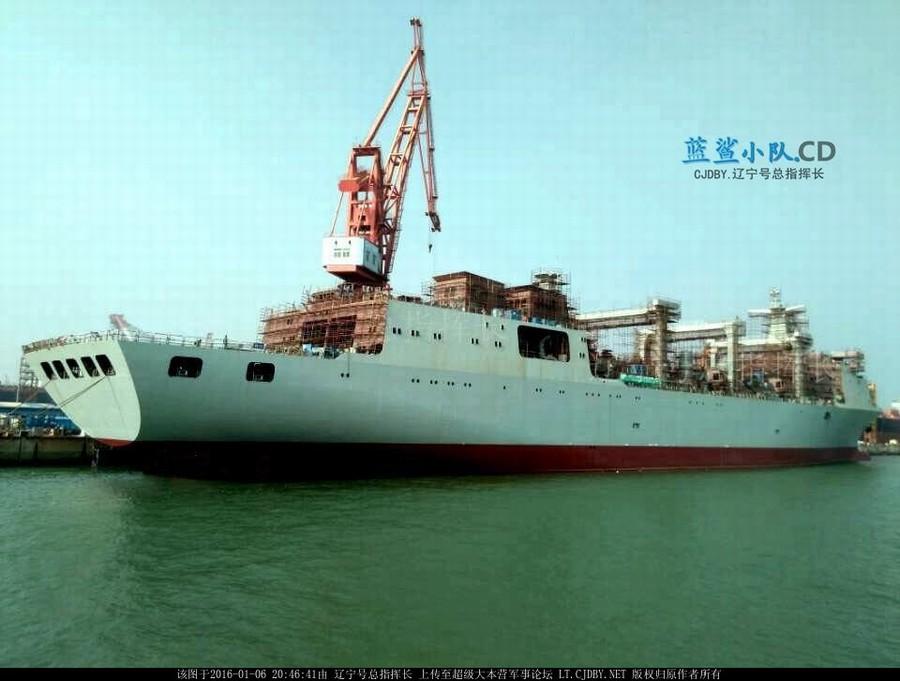 """国产""""航母奶妈""""在建照曝光:中国补给舰吨位堪比航母(图)_图1-1"""