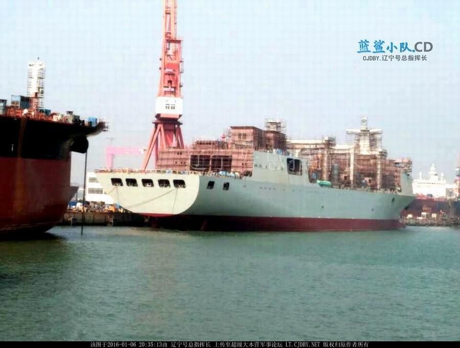 """国产""""航母奶妈""""在建照曝光:中国补给舰吨位堪比航母(图)_图1-3"""