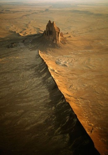 神秘地球破洞似外星人入侵 盘点地球上最神秘地方【组图】