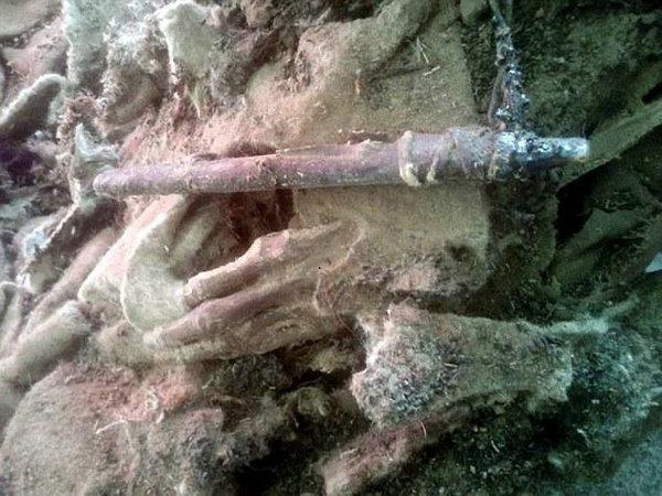 原文配图:蒙古国发现1500年前突厥女木乃伊。
