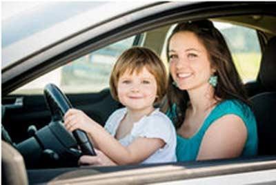 偷开汽车离家出走 专业人士告诉你!为什么小孩不能开车【图】