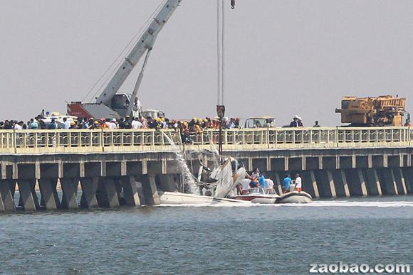 幸福通航b-10fw飞机在执飞上海金山-舟山航线起飞过程中发生事故撞桥