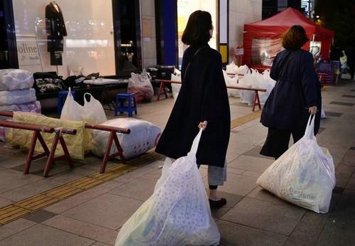 揭中国女孩韩国代购生活