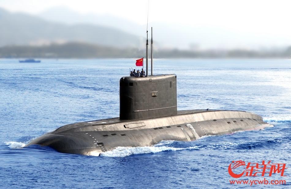 """现场直击南海""""海上巨鲸""""372潜艇"""