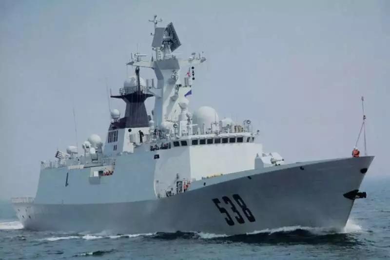 日本真急了!中国海警刚巡航完,中国军舰又突然来了…_图1-2