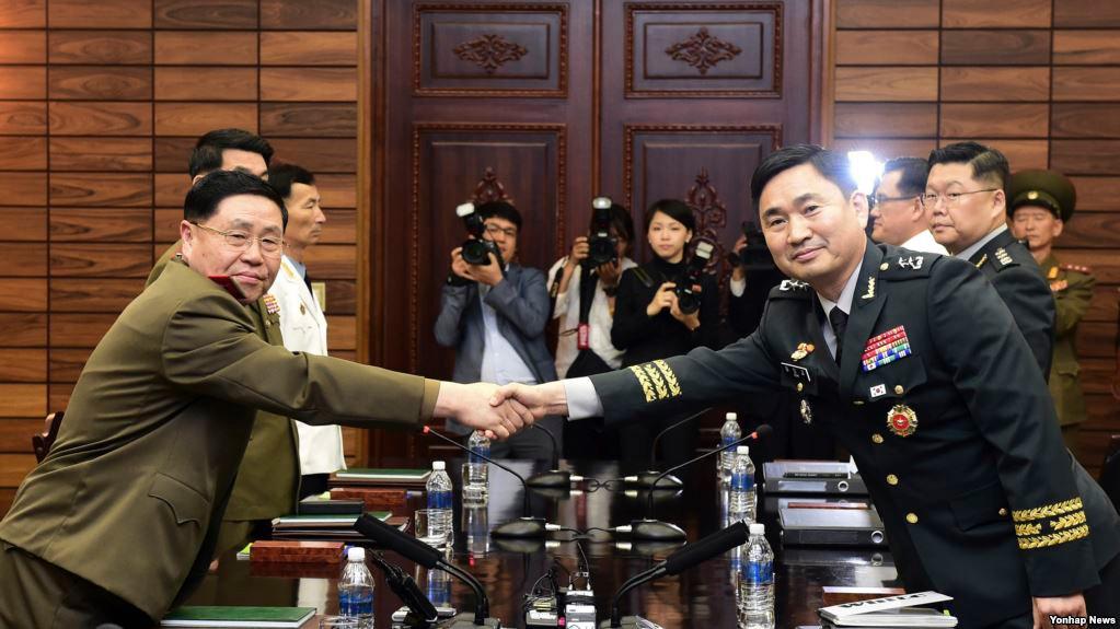 """美高官称美韩军演将""""无限期暂停"""" 文在寅:韩国愿意考虑_图1-5"""