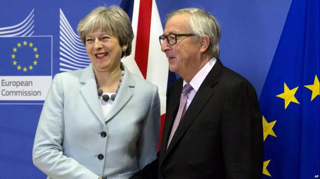 """""""硬脱欧""""还是""""软脱欧""""?对英国来说,这是一个大问题_图1-3"""