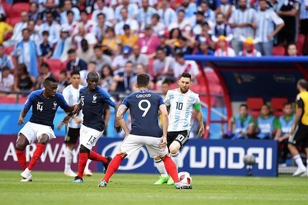 世界杯8强:巴西迎战比利时,这竟是最没悬念的一场较量?_图1-2