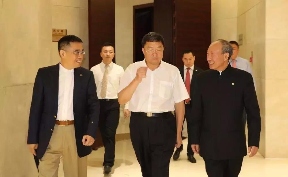 海航董事长王健离世 所持股份已确定去向_图2-1