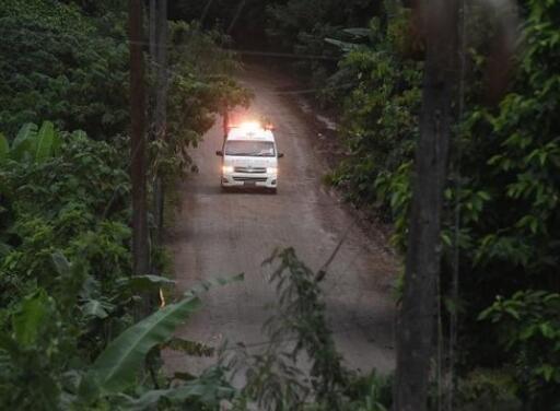 泰国洞穴救援行动再开启 救出第5名足球队员_图1-4