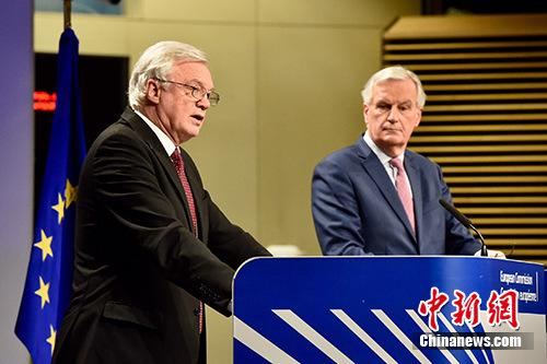 """英国""""脱欧""""分歧升级 两名重量级部长相继辞职_图1-3"""
