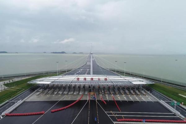 港珠澳大桥通车 中国由桥梁大国向桥梁强国迈进的里程碑之作