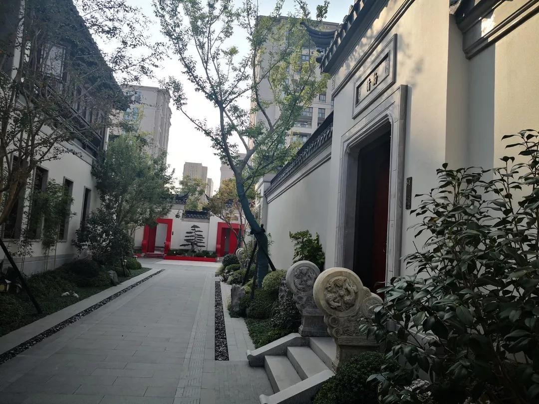 杭州价值六千万人民币园林合院被法院查封 业主是女股市操盘手女儿_图1-2