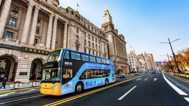 上海街头迎来全球首批人工智能观光巴士(多图)_图1-1