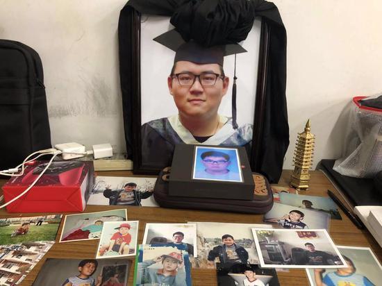 2019年1月6日,上海浦东周浦镇陆家,陆经纬遗像。