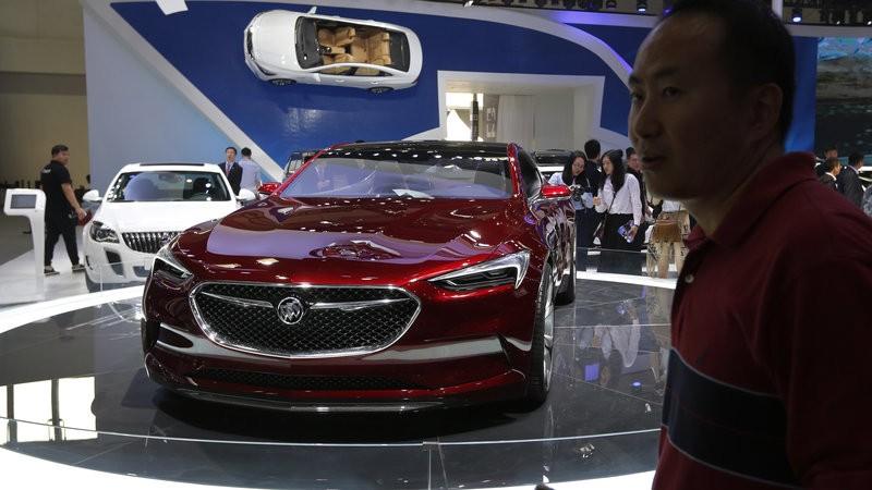中国汽车销量28年来首现年度下滑,中汽协预计今年销量持平_图1-1