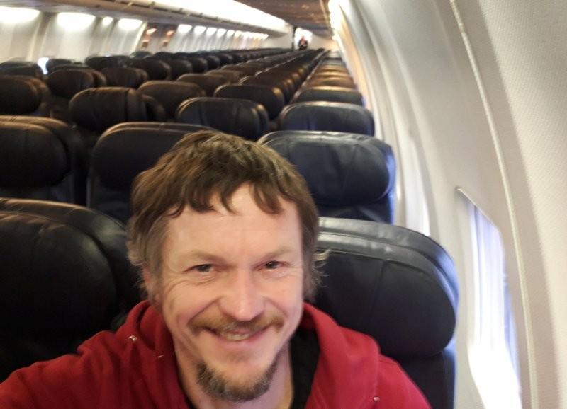 男子坐188人座波音737 发现自己成唯一乘客_图1-1