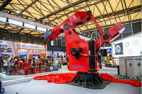 全球负载最大吨位搬运机器人在中国诞生_图1-1