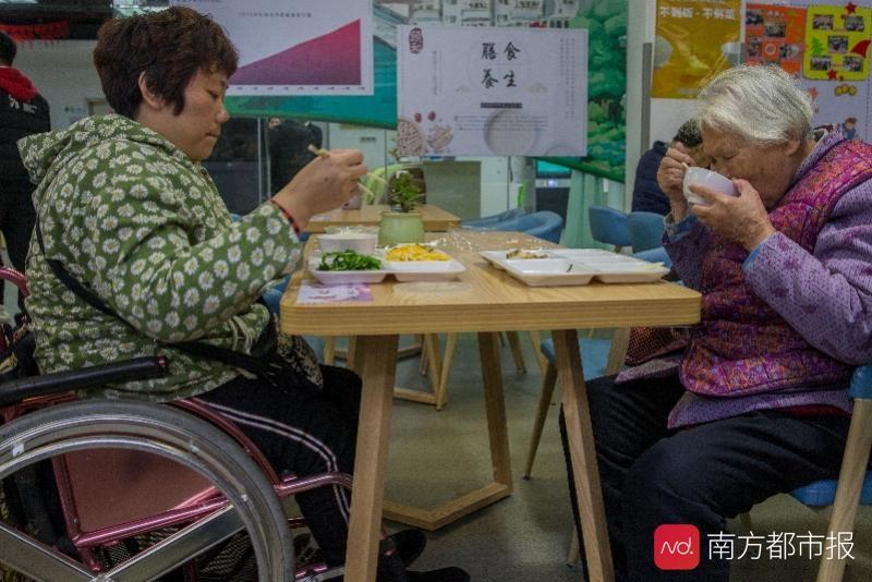 魏健:中国的人均预期寿命是77岁。与疾病共存8年。生活质量不高